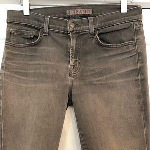 J Brand Skinny Cropped Jeans in Dare